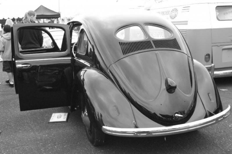 Split Window 4 Door Beetle Taxi