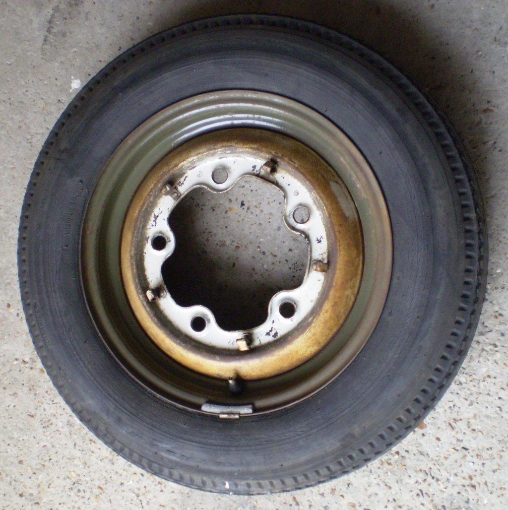 Diamond Green Beetle - original spare wheel
