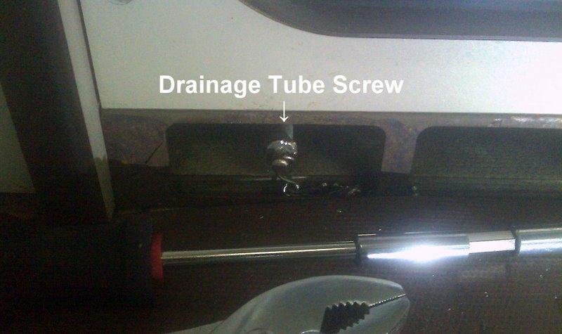 Dometic drainage tube
