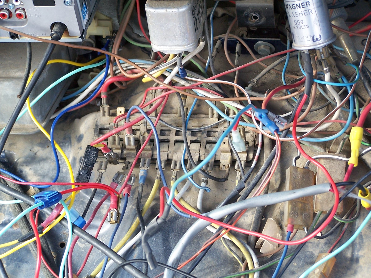 Car Ignition Diagram Car System Wiring Diagrams Free Download Wiring Diagrams Schematics moreover Pic as well  in addition Moe furthermore Vw Fuse Box Fuse. on vw super beetle fuse box