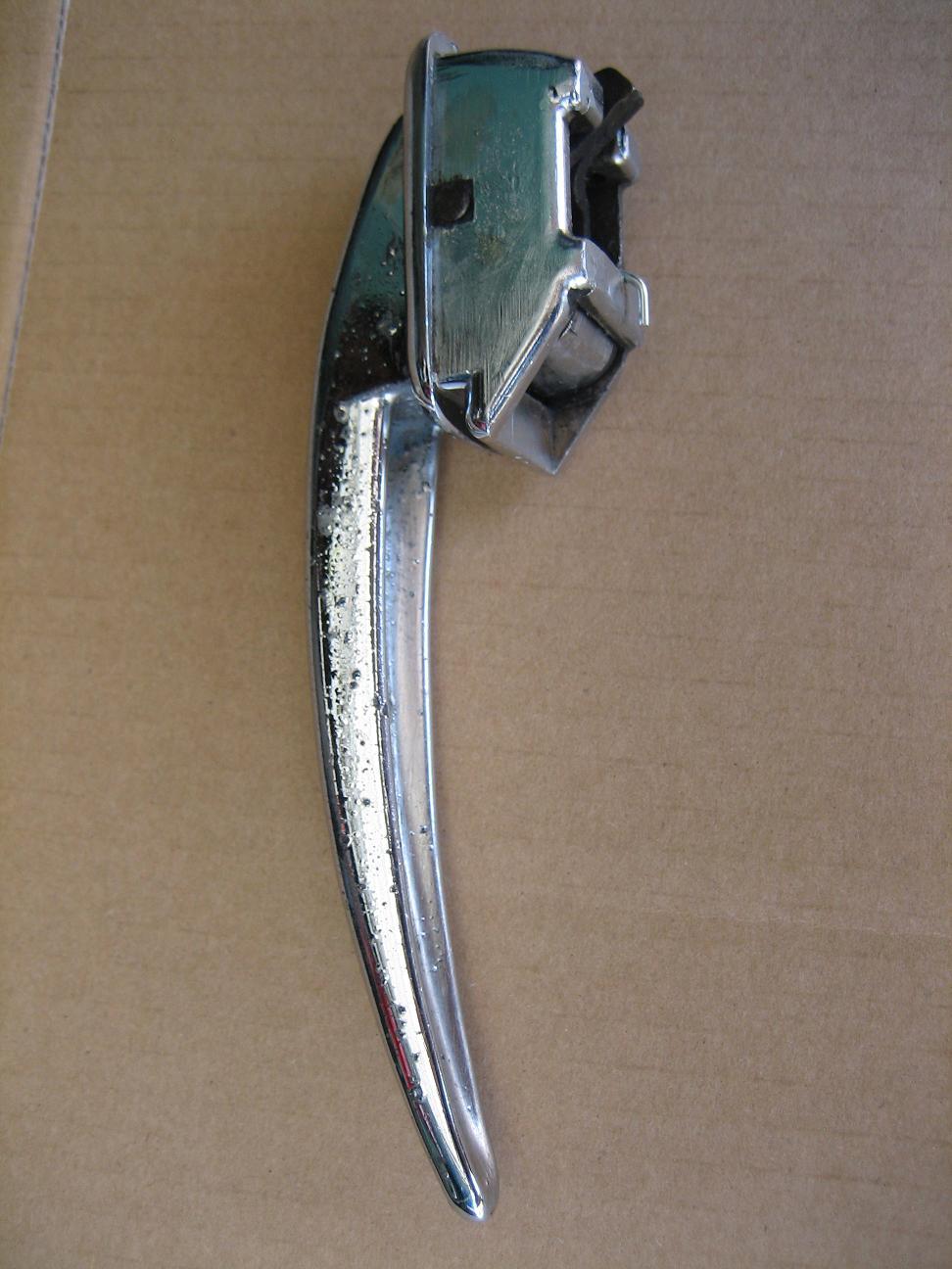 Barndoor locking door handle