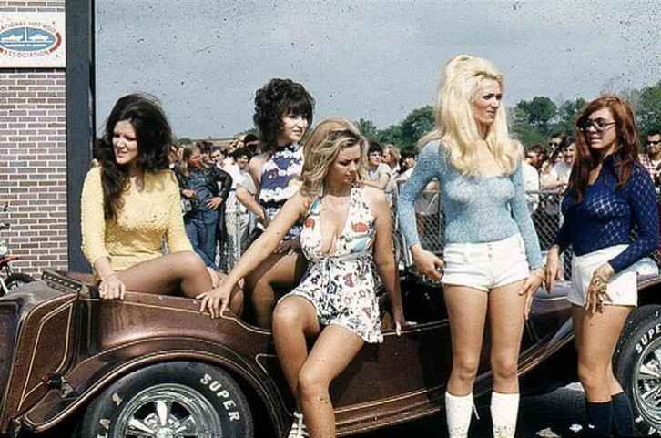 Vintage 60s beach girls-2205