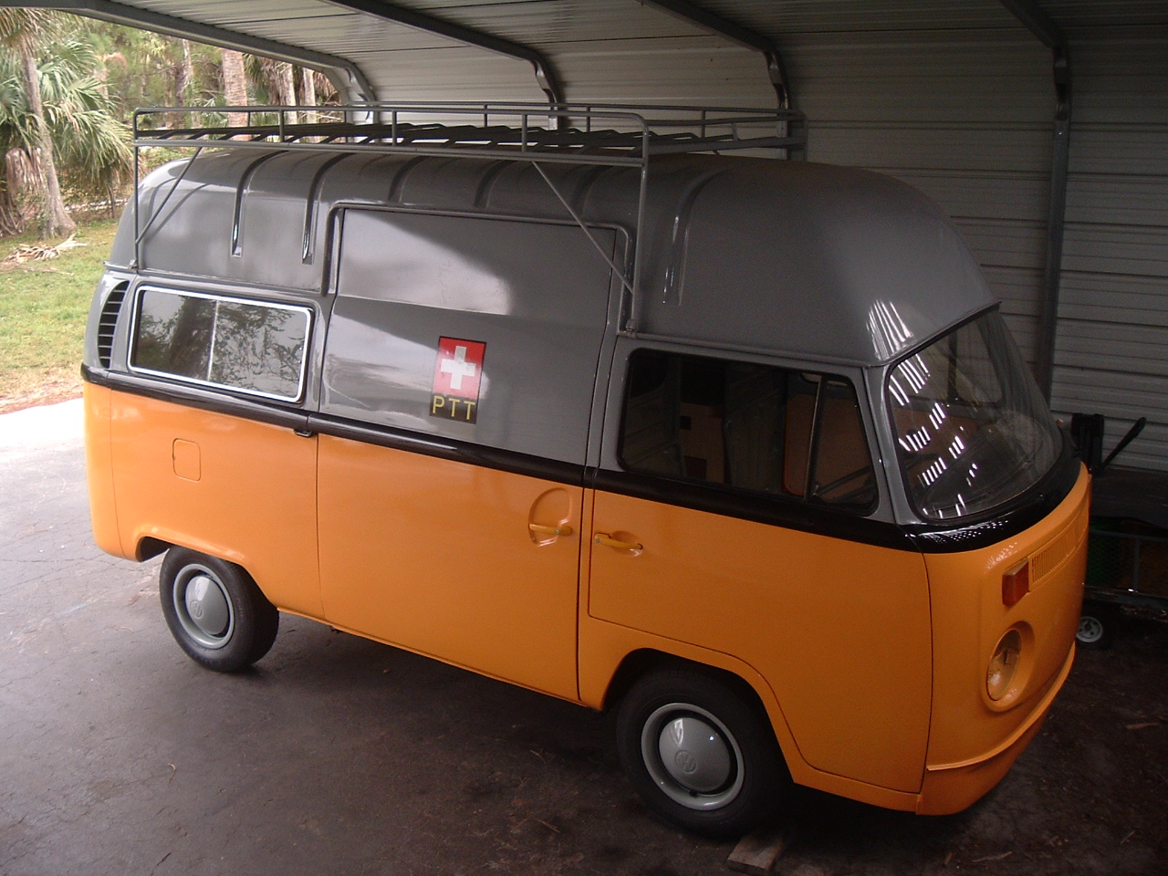 71 HighRoof RHD Swiss Postal Van