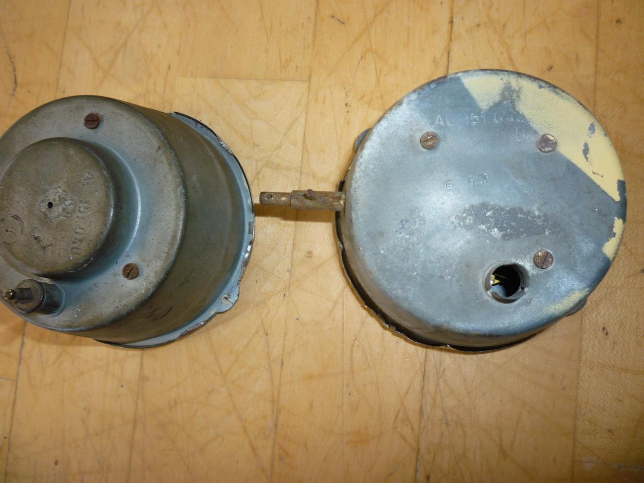 Mid '53 Barndoor Deluxe Clock Differences