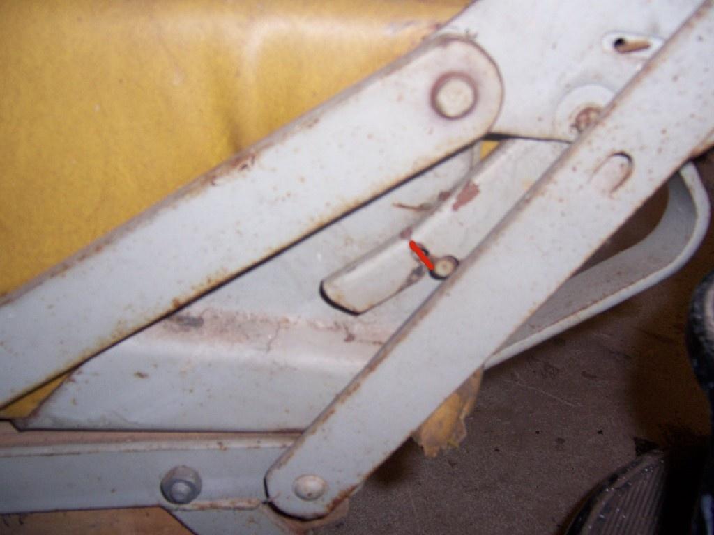 broken catch on westy bed hinge