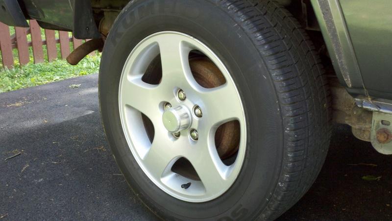 Custom center caps for Audi wheels