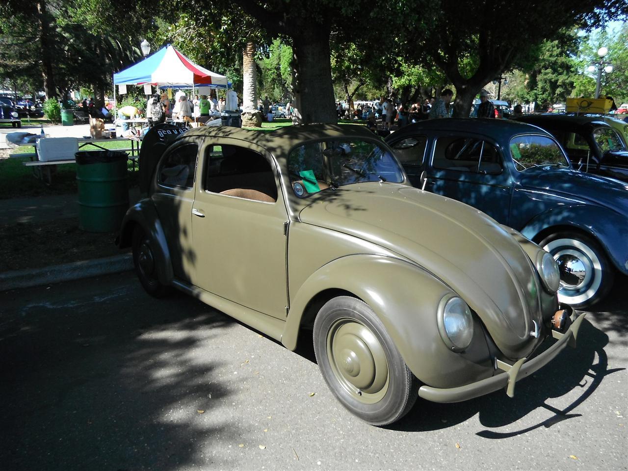 Split-Window Beetle with rollback sunroof