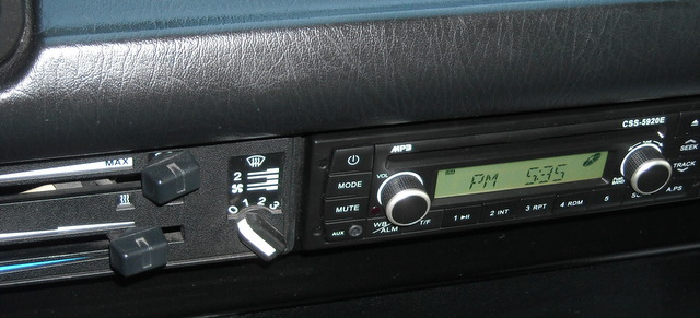 Radio with Weather Band, AM/FM, CD, MP3 that fits Vanagon