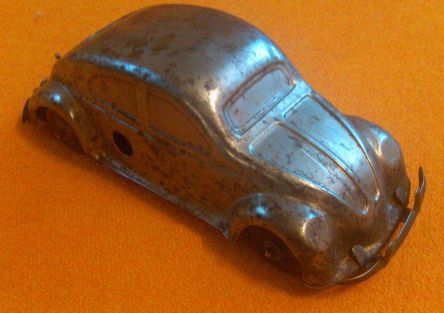 unidentified tin toy