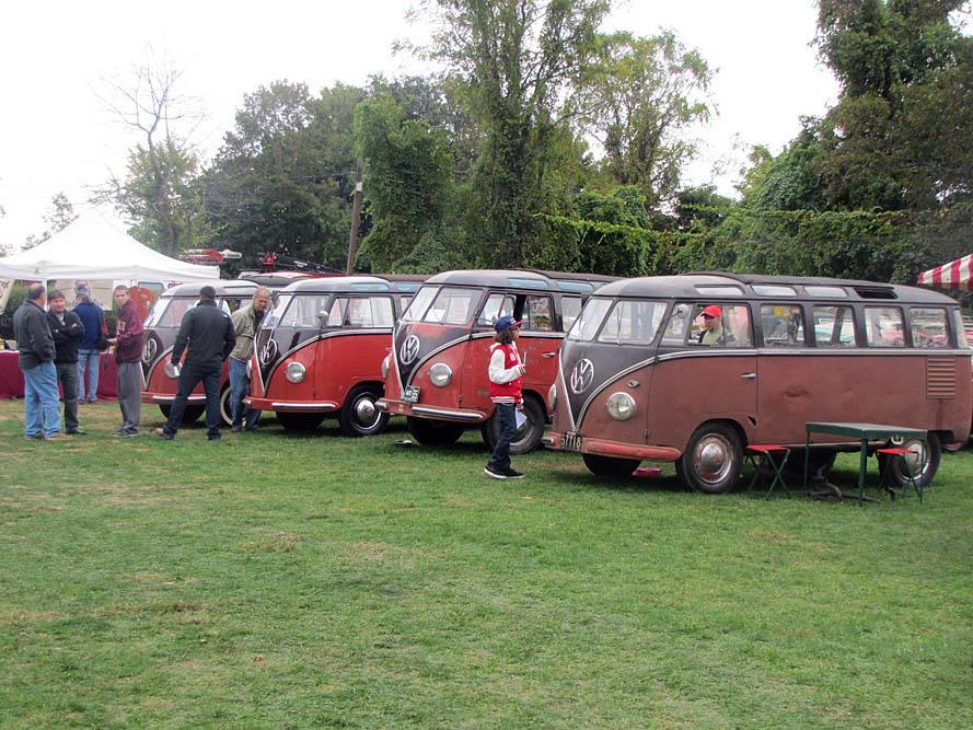Barndoor buses at Transporterfest
