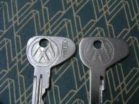 Genuine Versus Repop VW Logo Keys