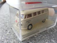 brekina vw bus ambulance