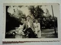 MY MOTHERS UNCLE HEINZ  & FAMILY CIRCA  1950,s GERMANY