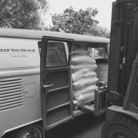 '64 kombi carrying malt for Dutch craft brewey