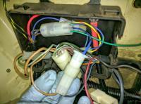 Bostig RG6 SK-W: Black/blue and tan wires