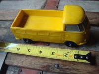 Tomte yellow single cab