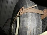 Barndoor standup tire mounting