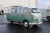 Velvet Green 21-Window Deluxe Bus