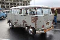Mossy 15-Window Deluxe Bus