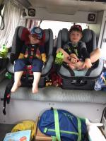 kids in carseats