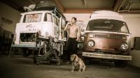 hasta alaska lives in a garage