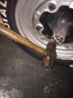 Remove stuck lug
