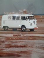 8/66 bus