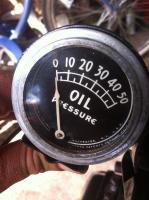 Rochester oil pressure gauge