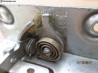 NOS 211 829 211 E early bay tailgate lock 67-71