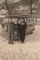 Barndoor Deluxe and 2 guys in the snow