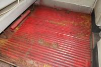 1963 15-Window cargo floor