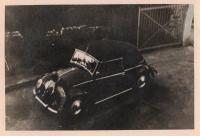 Vintage VW cabriolet photos