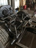 Rear support and cage