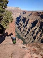 Bus on a can at the Grand canyon - Toroweep