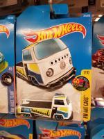 Hot Wheels slammed Bay Window Single Cab