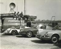 1968 Porsche 910 RHD 911 Falcon Works London Rd. Isleworth Concessionnaires Great Britain BBC Television Vintage Photo