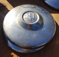 Hubcap with large raised center