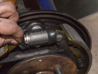 71 rear wheel cylinders