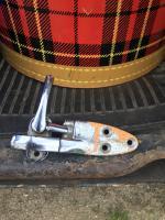 Split slider pop out latch
