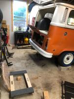Removing the engine from my 74 Baywindow