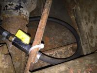 Mechanical fuel line valve