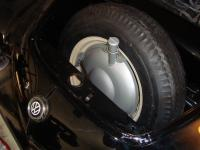 Gas tank for spare wheel