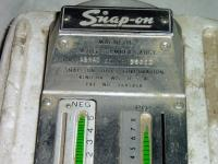 Snap-on link-pin guage