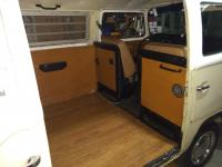 1971 VW Bus transporter interior
