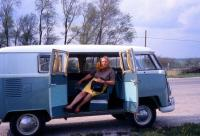 Lady in 1963 Turkis Standard with upside down middle seat kick panel