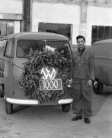 Assembly Line: 1000th Bus/Barndoor produced at Wolfsburg