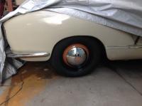 Painted hubcap emblem