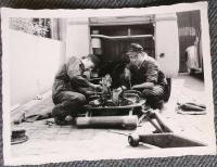 Mechanics fixing Barndoor engine