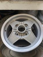 Momo magnesium wheel