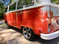 Vee Dub Nut's 74 Transporter